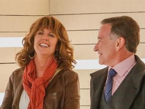 ET Now: Robin Williams and Pam Dawber Reunite as