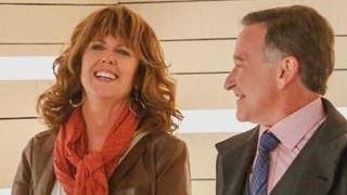 ET Now: Robin Williams and Pam Dawber Reunite as 'Mork & Mindy'