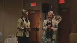 Isabelle Gros-Louis et  Sabryna Godbout présentent la guérison par les danses traditionnelles.