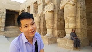 Độ ta không độ nàng phiên bản Ai Cập - Khoa Pug vét sạch tiền mua quà lưu niệm cho cameraman