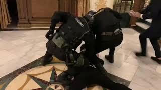 Спецназ по ошибке задержал актера в Нур-Султане