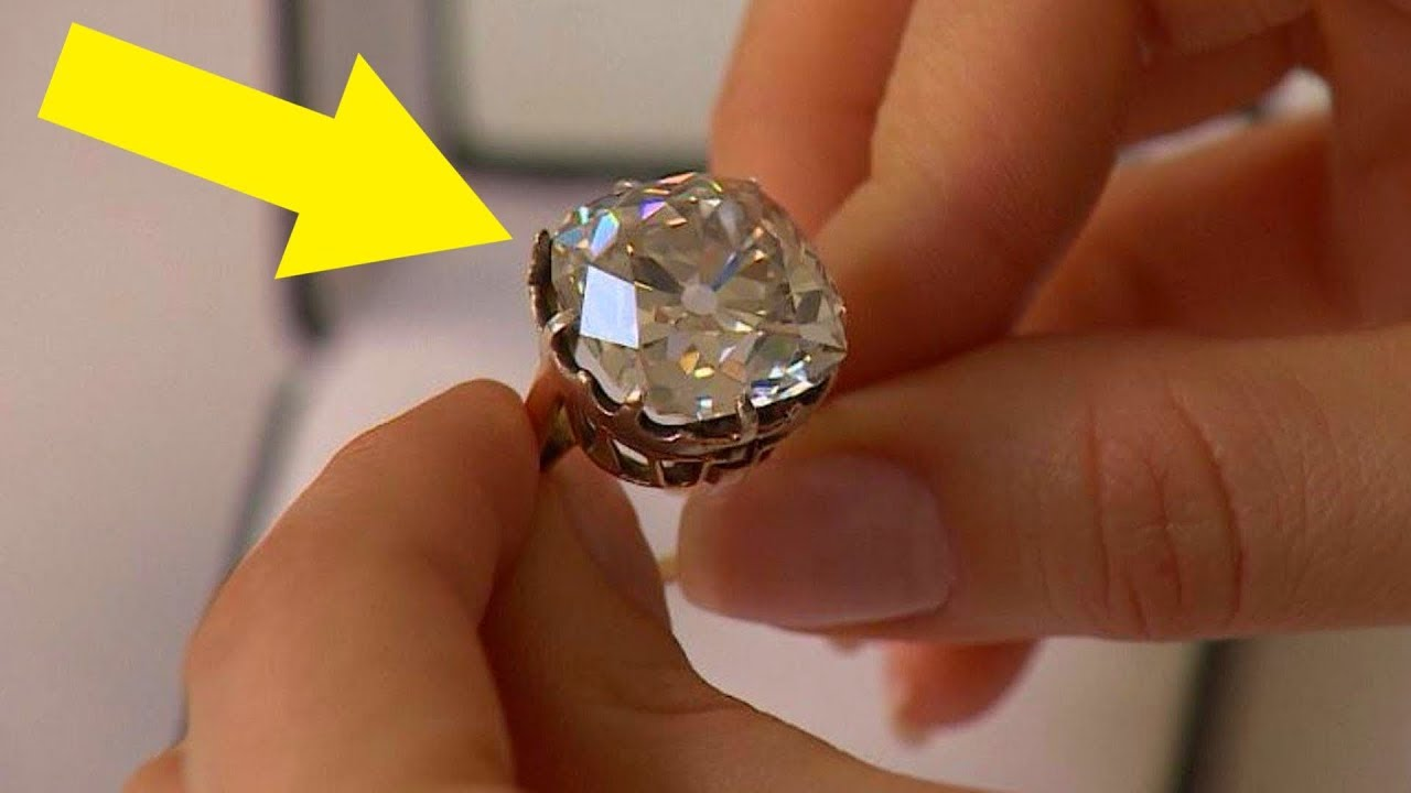 Download Woman Wears $13 Ring For 30 Years, Looks Again And Realizes She's A Millionaire