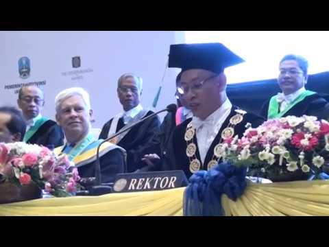 Prof. Robert Engle at Airlangga University, with an introduction by Uwe Morawetz - part 1