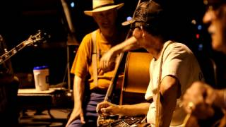 Bluegrass Comfort: THE OCOEE PARKING LOT BLUEGRASS JAM - 5/10/2013