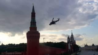 Военные вертолеты в Кремле