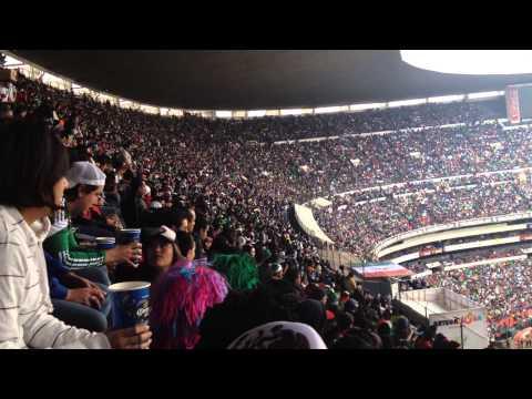 La Ola en el Estadio Azteca (México-Nueva Zelanda, 13 nov 2013)