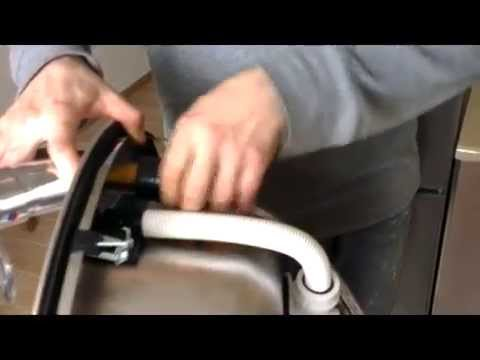 видео: Ремонт своими руками. Сантехника. Установка мойки на кухню