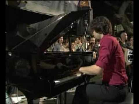 מלניק פסנתרים - מקס רוזנפלד מנגן ברוטשילד בלילה לבן 2008