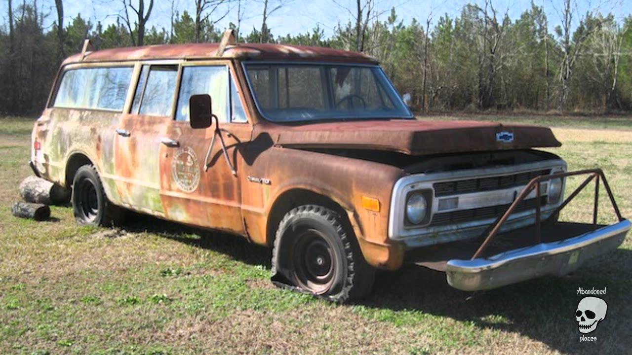 Classic American Massive Barn Find Cars. Many abandoned vehicles ...