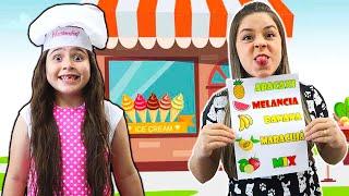Heloísa e sua sorveteria de frutas! pretend play cooking fruit ice cream