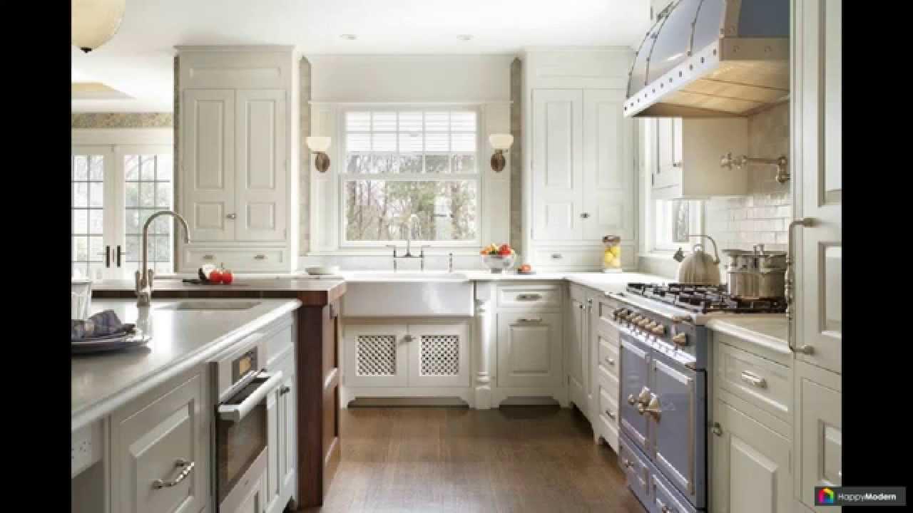 дизайн кухни в частном доме с окном фото 1
