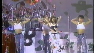 """REBECCA (レベッカ) """"Hot Spice"""" 大阪マリンフェス'87 のステージにて."""