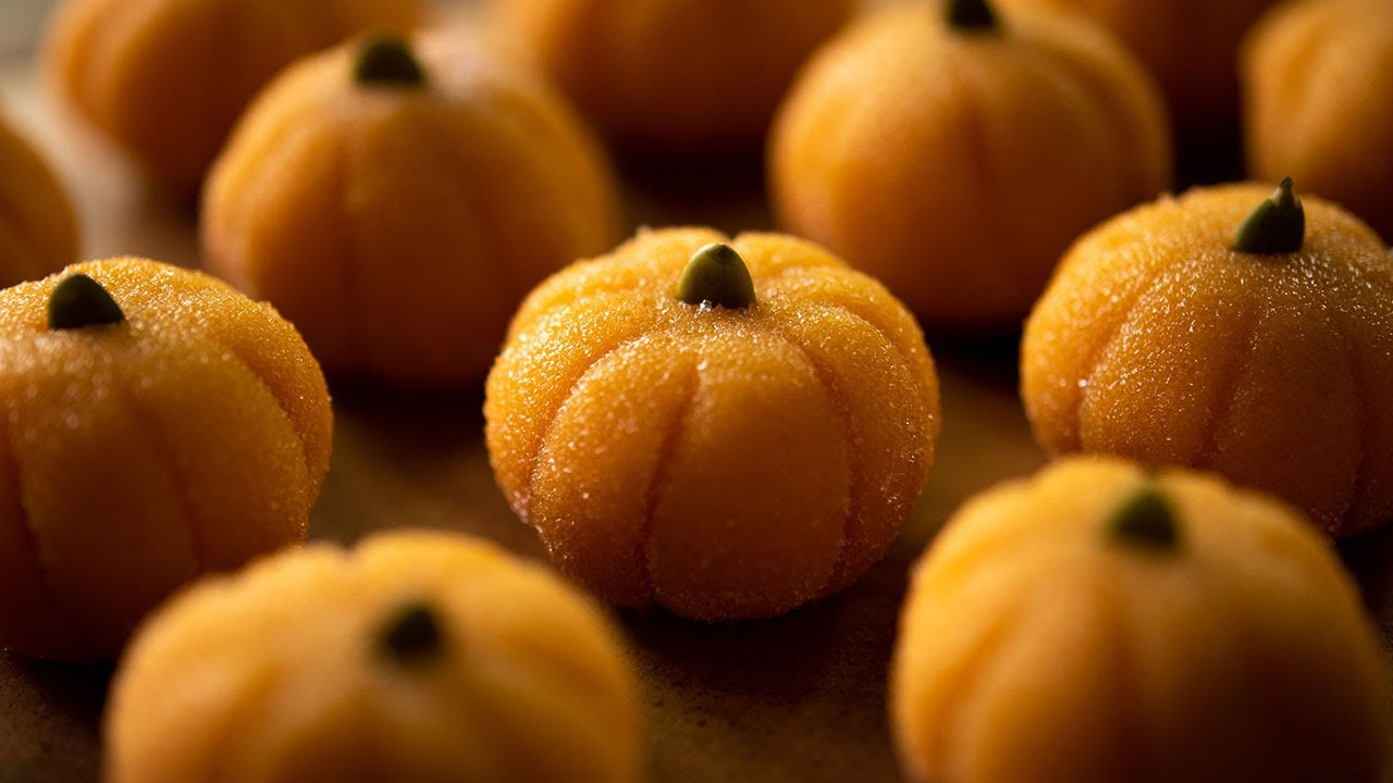 かぼちゃとチョコのミルクトリュフ Halloween condensed milk pumpkin & white chocolate truffles