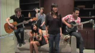 Meg & Dia acoustic