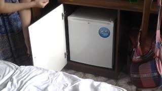 Видео обзор отеля Калифорния в Сукко(Видео обзор отеля Калифорния в Сукко. Наш отзыв об отеле в Сукка Анапского района., 2014-06-05T11:04:46.000Z)