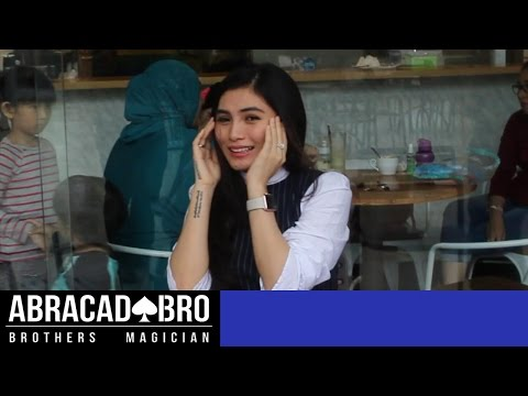 Bikin Panik Artis Cantik Angela Lee - Trik Sulap AbracadaBRO Street Magic Prank Indonesia