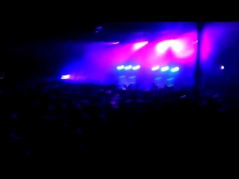 Sleigh Bells - Kids (Live 2012)