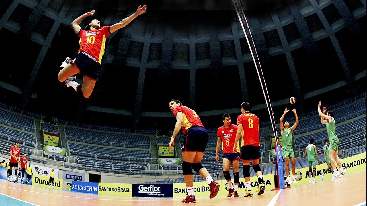 TOP 15 Crazy Actions Monster of the Vertical Jump Fran Ruiz (Height 178 сm - Spike 334 cm)
