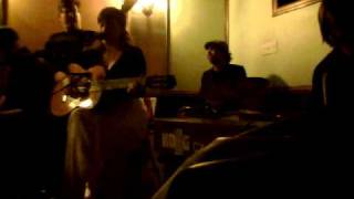Emilie Mover live cover of Paul Simon