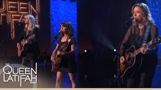 "Gambar cover The Bangles Perform ""Eternal Flame"" on The Queen Latifah Show"