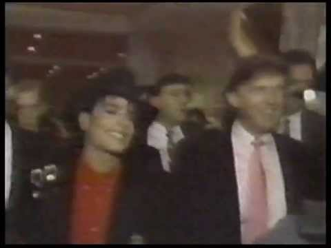 1990 Michael Jackson attends the Grand Opening of Trump Taj Mahal Casino Resort