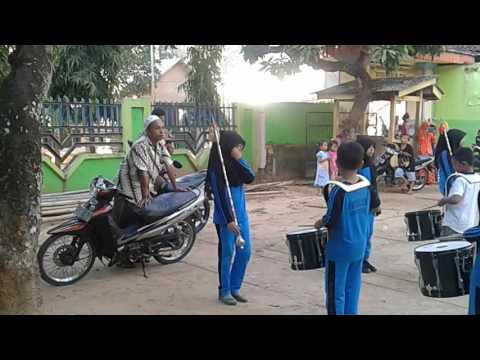 Drumband MI MIFTAHUL ULUM Batang-batang lagu APALAH APALAH