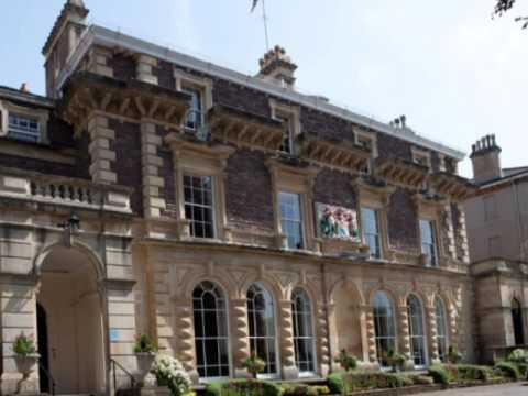 Cathedral handing out Colston 'slave trader buns' to Bristol schoolchildren