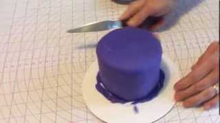 How to Make a Snowflake Cake Part One: Covering the Cake with Rolled Fondant