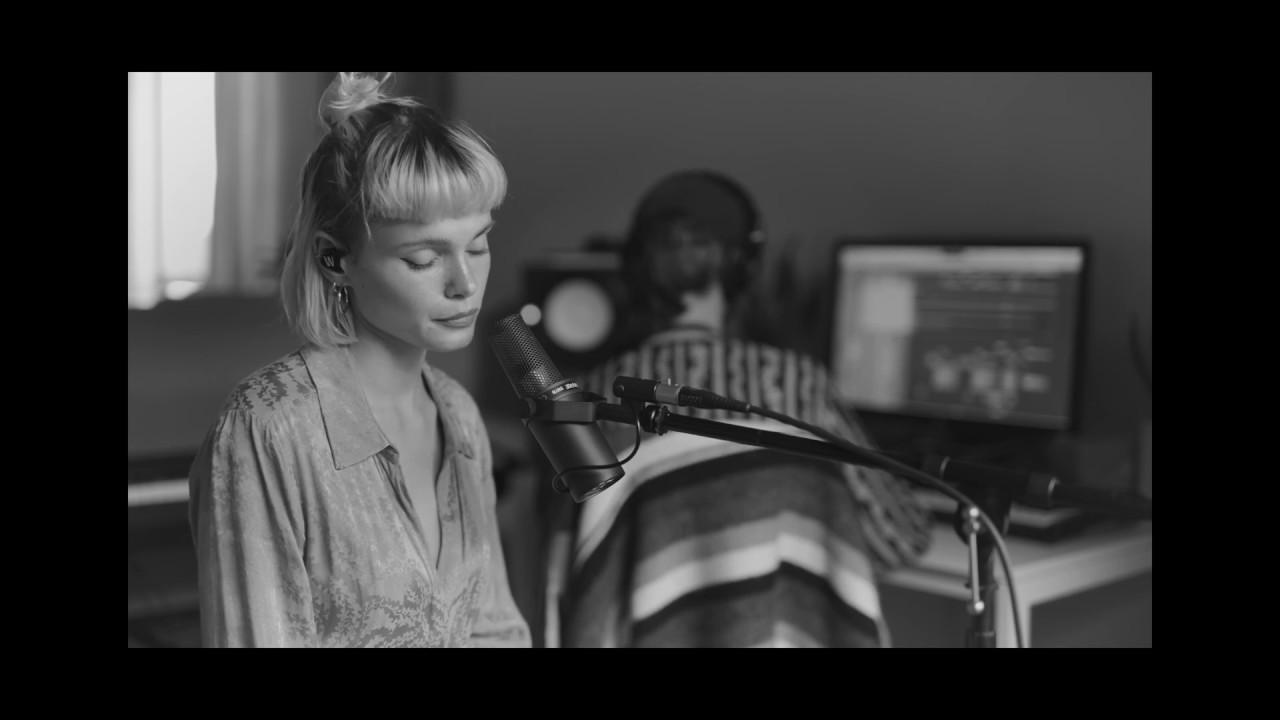Winona Oak - Toxic (Britney Spears Cover)