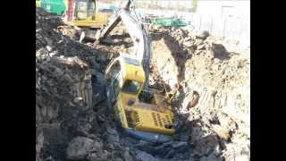 ACCIDENT !! - Excavator Extraction Digger Accident