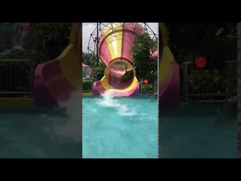 Anti - Fade Tornado Water Slide Safe And Fun Water Park Equipment For Family Activity