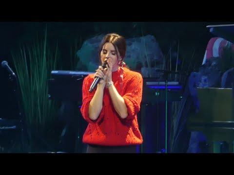 """""""Radio"""" Lana Del Rey@Bryce Jordan Center State College, PA 1/26/18"""
