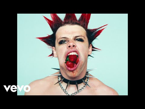 YUNGBLUD - Strawberry Lipstick