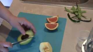 Как приготовить фруктовое пюре(Как быстро приготовить фруктовое пюре. Другие видео: Сочные куриные котлеты - https://www.youtube.com/watch?v=_AS3nBf4OgE&index=15&li..., 2015-01-29T19:39:26.000Z)