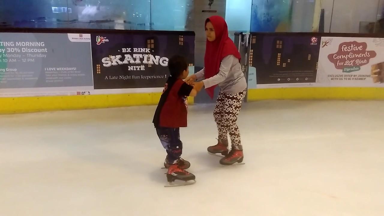 Roller skating rink jakarta - Bx Rink Skating Nite Mall Bintaro Jaya 26122016