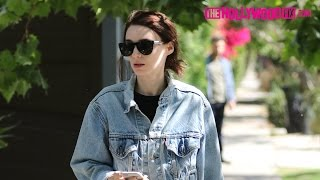 Rooney Mara Gets Lost In The Neighborhood While Trying To Find Her Friends House 6.16.16