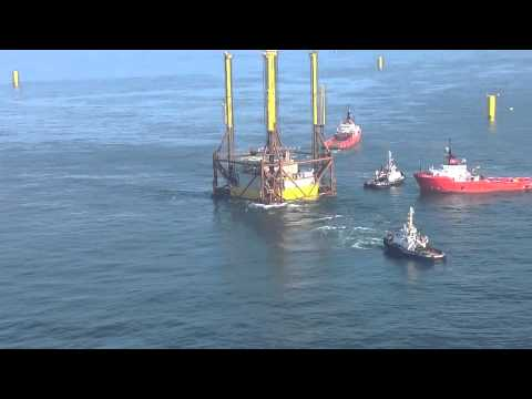 Installation des Umspannwerks im 400 MW Offshore-Windpark Global Tech I