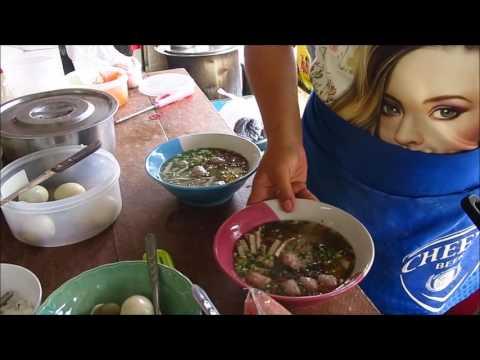 Breakfast in Morning Market, Pakse, Laos Food 2017