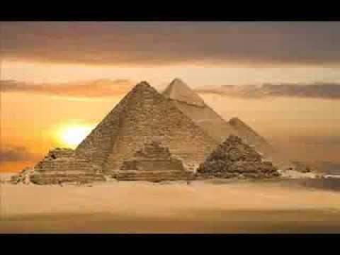 Firavun, Asiye'nin dinden dönmesi için her türlü işkenceye başvurdu