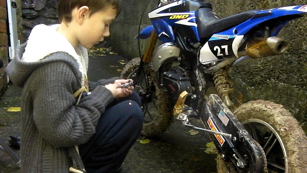 Liam Aged 10 Fits A Clutch On A Mini Dirt Bike Youtube