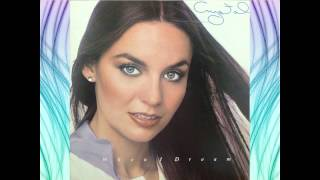 Watch Crystal Gayle Why Have You Left The One You Left For Me video