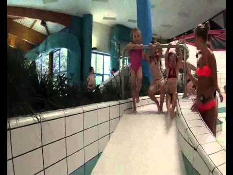 Piscine de li vin 2 4 et 5 6 ans le 06 08 2013 youtube for Piscine lievin