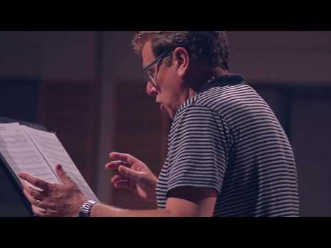"Peter Coleman-Wright sings ""Tschaikovsky"" with the Nexas Quartet"