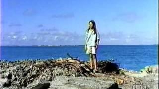 L'enfant d'eau / Behind the Blue / Дитя океана (2)