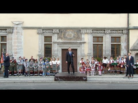 Prezydent RP Andrzej Duda odwiedził Lwówek Śląski - YouTube