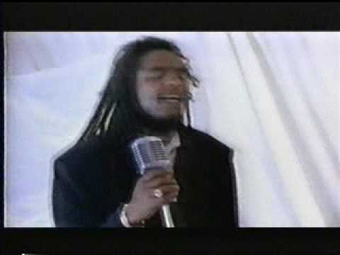 Maxi Priest - Groovin' In The Midnight