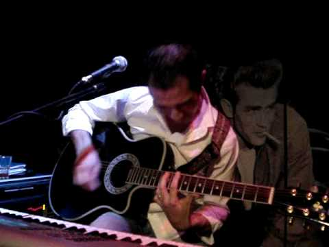 "Paulo Holandês @ Vintage: ""Save Tonight"" - Eagle Eye Cherry"