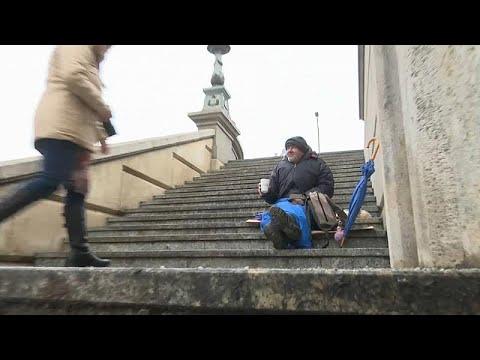 المشرّدون في المجر: من لم يمت بالفقر مات من شدة البرد.. 100 شخص قضوا جرّاء النوم في العراء…  - نشر قبل 2 ساعة