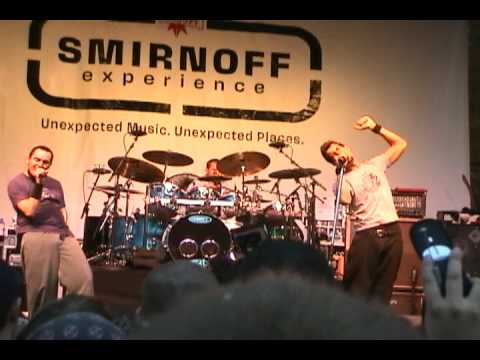 311-live-in-downtown-chicago---oct-21,-2003-(part-4---amber)