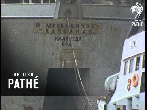 ( Shipbuilding & Shipping In Gdansk ) (1971)